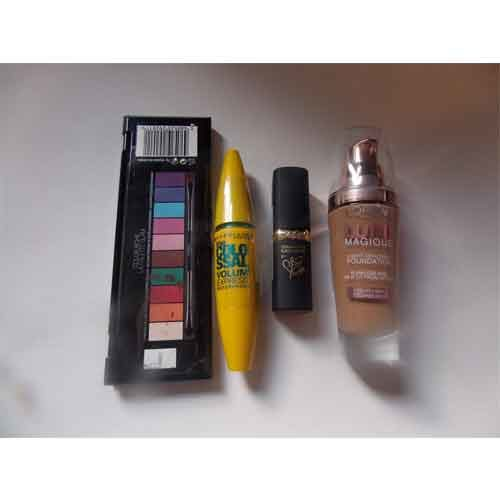 Basic Make Up kit including red lipstick, Mascara, Eyeshadow and Foundation [24-7-kit]